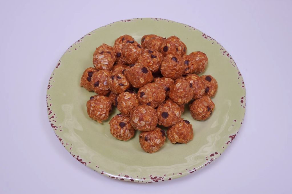 Chocolate Chip Oatmeal Balls